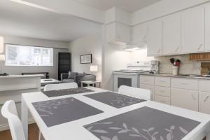 1605-e-8th-ave-kitchen-livingroom-3