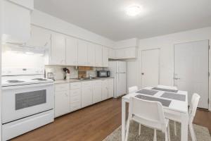 1607-e-8th-ave-kitchen