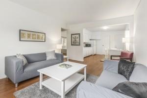 1607-e-8th-ave-livingroom-kitchen